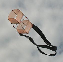 The MBK 1-Skewer Box kite.