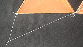 Tetrahedral Kites - close-up of bridle lines for the 4-cell tetra