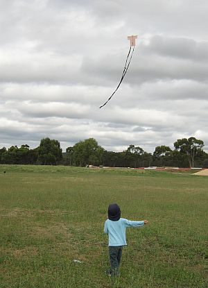 Child Flying Kite - Aren flying the 1-Skewer Sode.