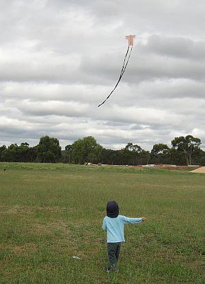 Child Flying Kite - Aren flying the 1-Skewer Sode.