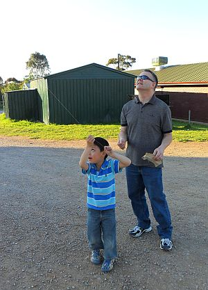 Child Flying Kite - Aren having a great time with the 1-Skewer Dopero.