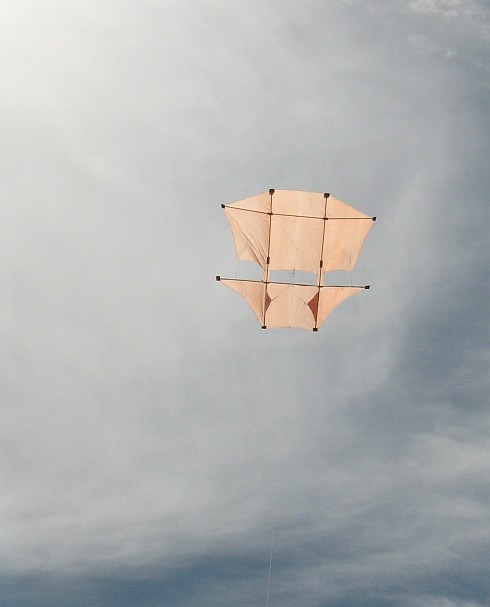 The MBK 2-Skewer Dopero in flight.