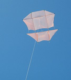 The Dowel Dopero kite in flight.