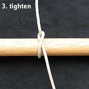 Tying the Half Hitch knot - step 3.