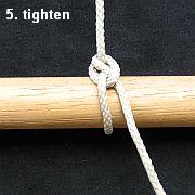 Tying the Half Hitch knot - step 5.