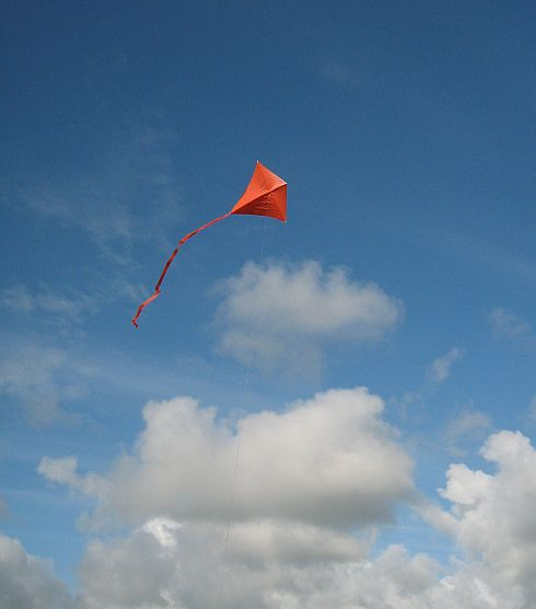 The MBK Simple Diamond kite cavorts with the clouds...