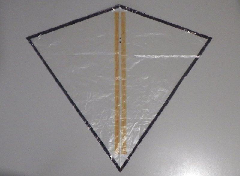 Making the Indoor Diamond kite - Step 2b