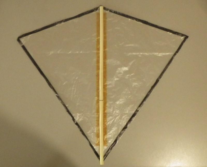 Making the Indoor Diamond kite - Step 4a