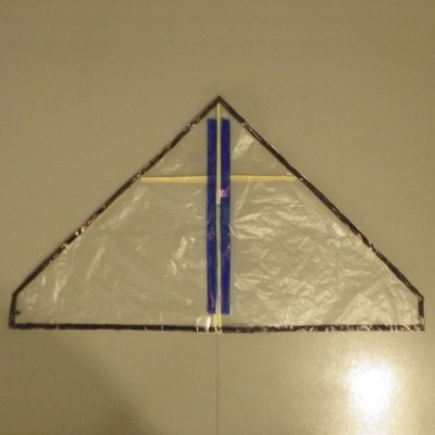 Making the Indoor Delta kite - top