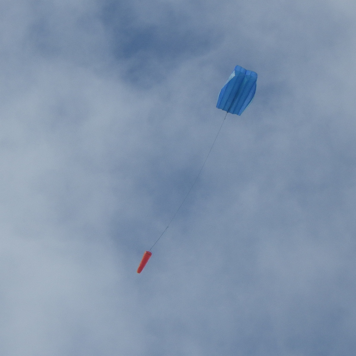 flight report parafoil kite in gusty moderate air