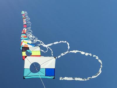 """25  14"""" x 20"""" kites"""