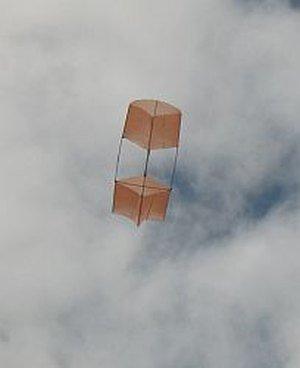 2-Skewer Box kite in flight.