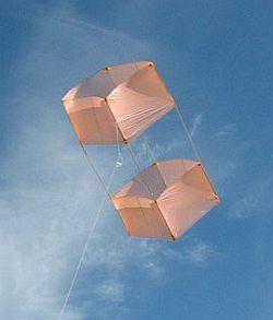 Box Kite Design - the Dowel box kite (moderate) in flight