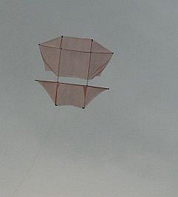 The Dowel Dopero kite in flight.