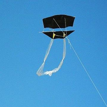 The MBK 1-Skewer Dopero kite in flight.