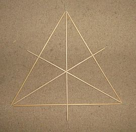 Making tetrahedral kites - step 3